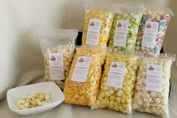 nom nom popcorn