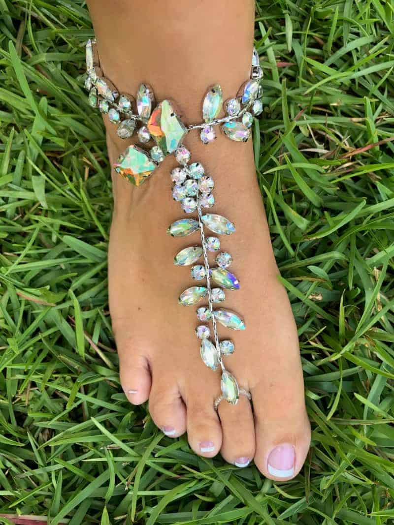 Traci Lynn Jewelry – Happy Feet – Review
